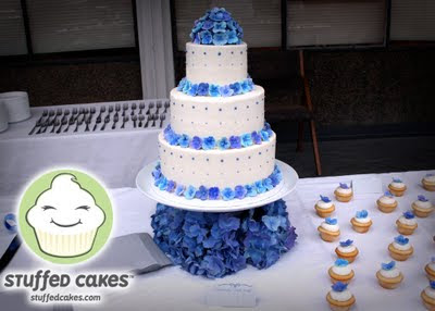 mini wedding cakes seattle stuffed cakes hydrangeas and cardinals wedding 17429