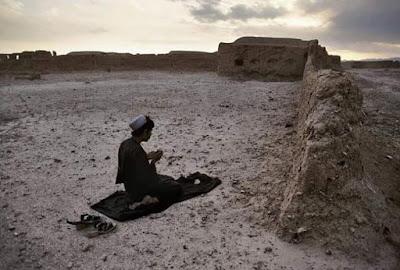 Kisah Islami: Selamat Dari Perampokan Setelah Berdoa Dengan Doa Ini
