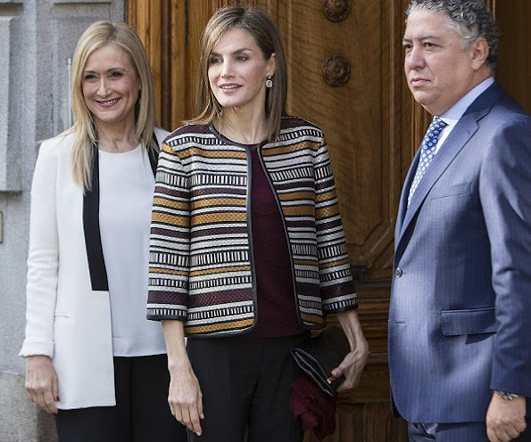 Queen Letizia wore Uterqüe Multi-Striped Boxy Jacket from Spring/Summer 2015 Ethnic Collection, Magrit Pumps, Carolina Herrera clutch bag, Folli Follie diamond earrings