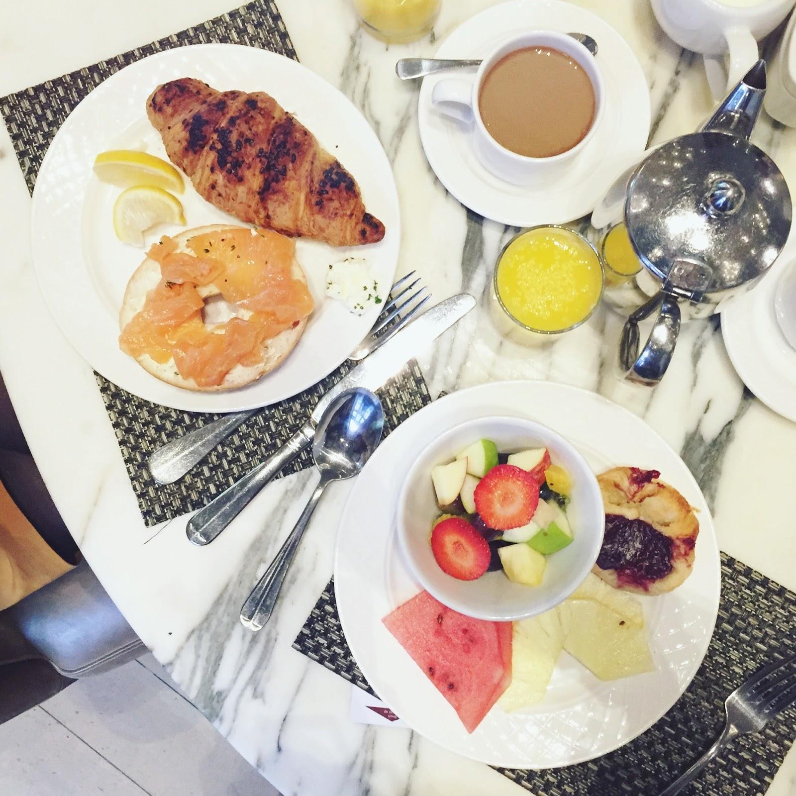blogger breakfast
