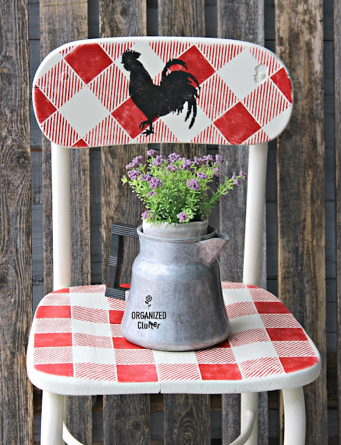 Vintage Thrift Shop Chair Upcycle #chalkedpaint #oldsignstencils #buffalocheck