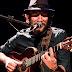 John Mueller faz show de músicas inéditas nesta quarta-feira (7), em Blumenau