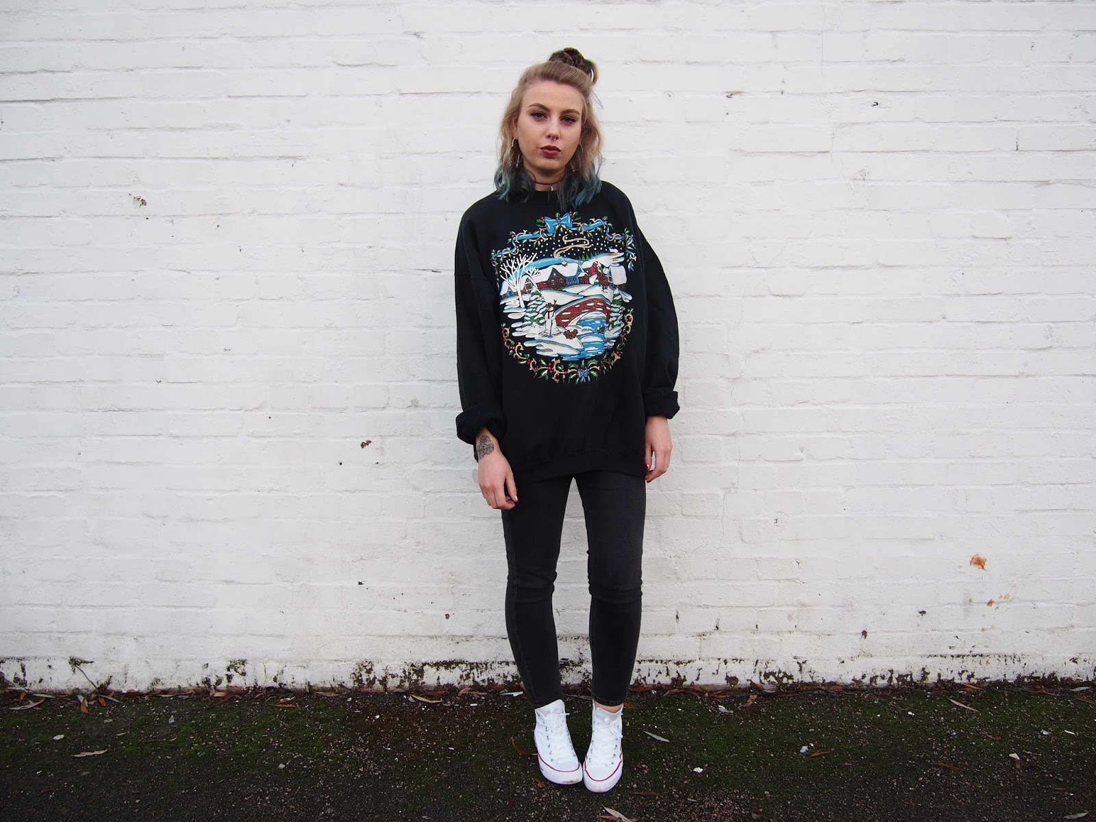 vintage oversized christmas jumper, 90's grunge style, alternative tumblr style fashion, all white high top converse, tumblr alternative girl, beyond retro jumper