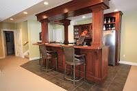 Mini bar de madera