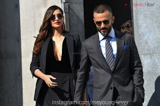 Sonam Kapoor looks absolutely fabulous in Black   .xyz Exclusive 008.jpg