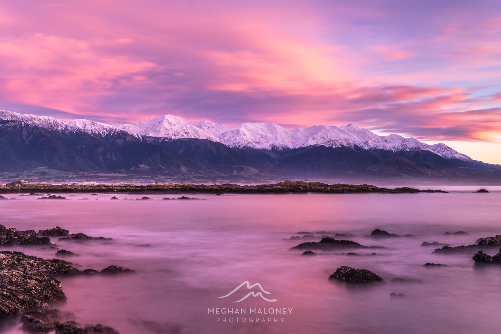 kaikoura dawn pink mountain sunrise