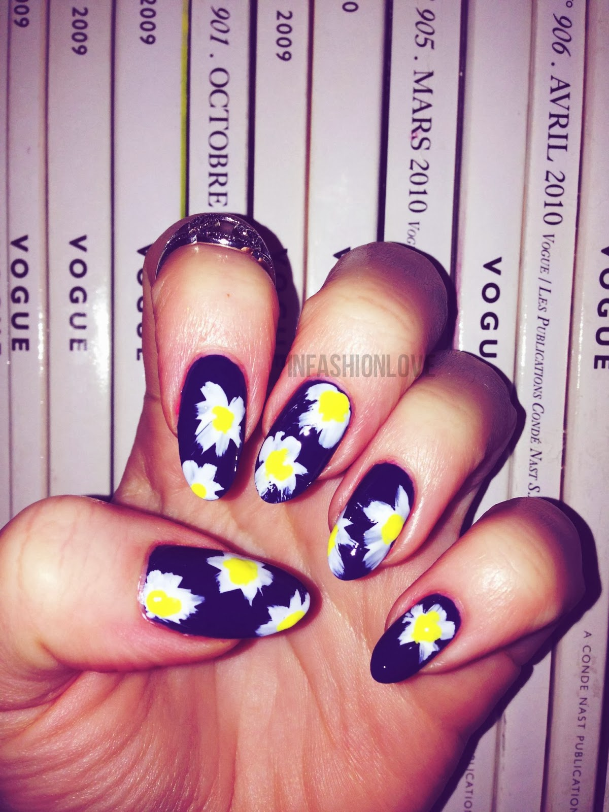 Infashionlove Com On Trend Inspired Alexa Chung Daisy Nail Art