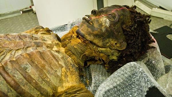 Resultado de imagem para múmia de Het-Nut-Tawy
