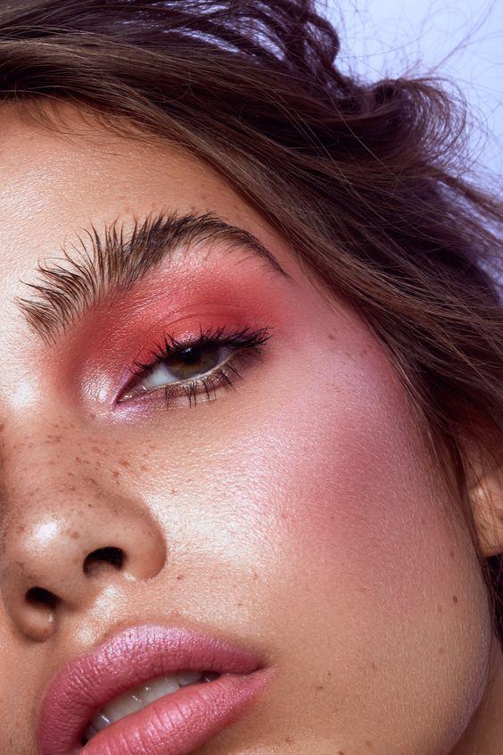 #whisperbysara #blog #make #maquiagem #beauty #beleza #sombrarosa #sombravermelha #coresquentes