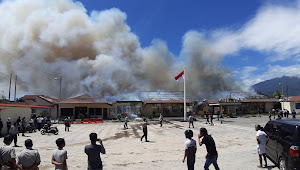 Hitungan Menit Gedung Polres Lamsel Luluh Lantak Terbakar