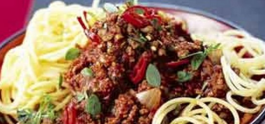How to make spaghetti bolognese recipe in 8 easy step at home - Italian food recipe
