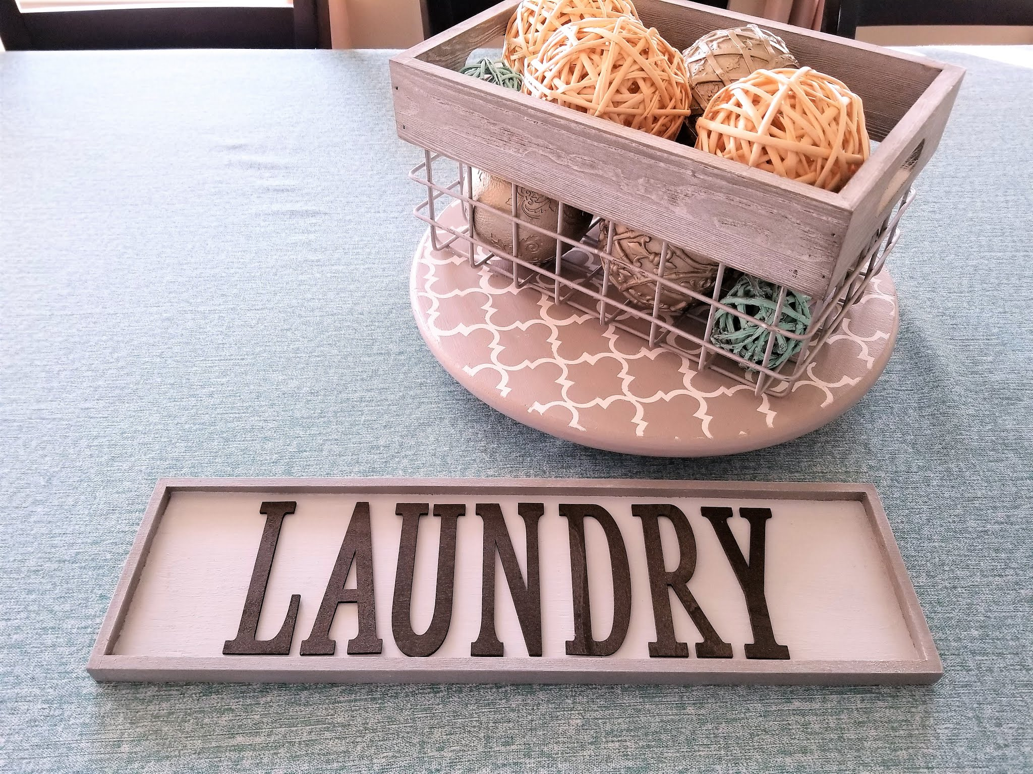 DIY Laundry Sign for Laundry Room