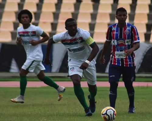 Cléber Pereira dez o gol da vitória do Maranhão contra Pinheiro