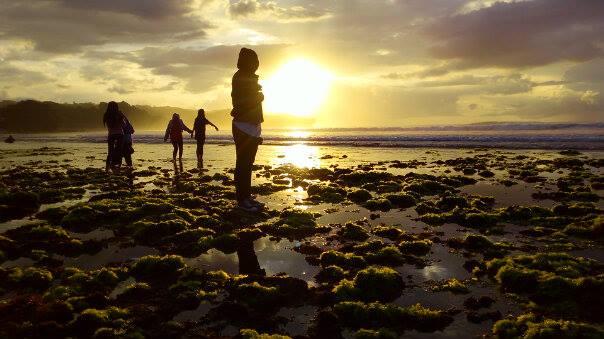 foto indah sunrise di pantai krakal jogja