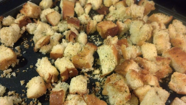 Homemade Croutons--don't waste stale old bread--easy recipe!