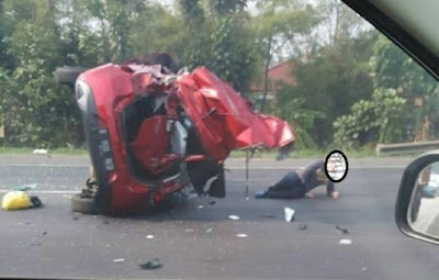 Inilah kronologis Kecelakaan Mobil Mazda di tol Karawaci.