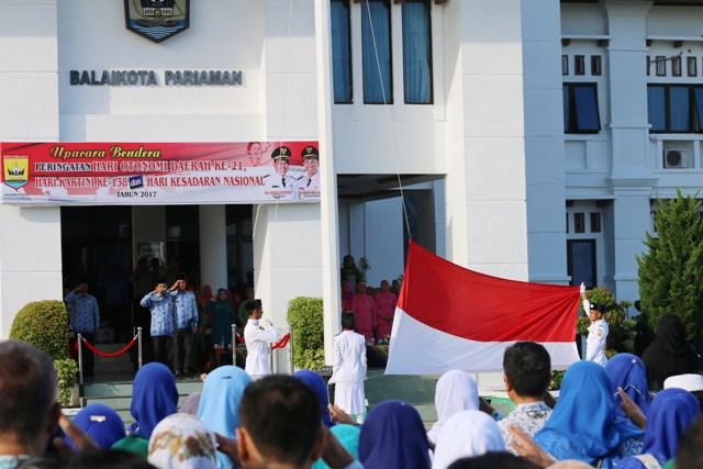 Wako Pariaman Mukhlis Rahman Pimpin Upacara  Peringatan Hari Otonomi Daerah ke 21, Hari Kartini ke 138 dan Hari Kesadaran Nasional