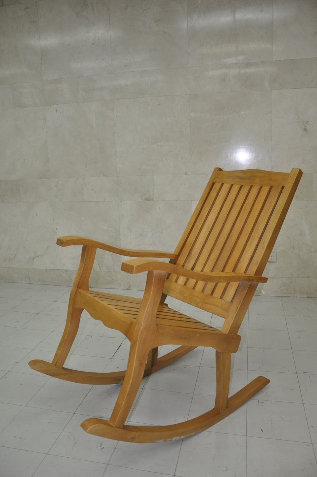 Palawanderer: Silya Rocking Chairs now offers by Gateway Mall.