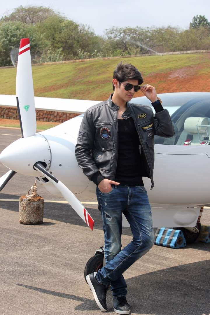 Actor Rohan Mehra is Flying High Pics