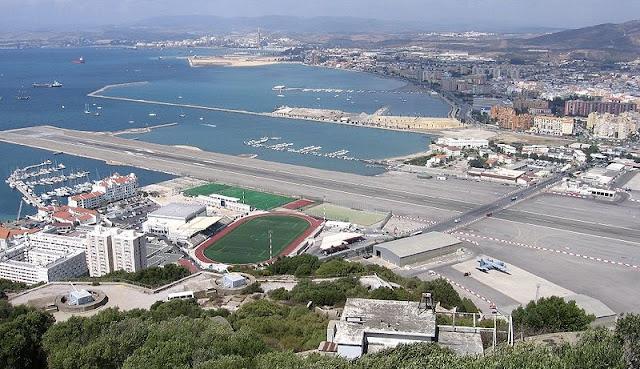 800px-Gibraltar-lotnisko.jpg