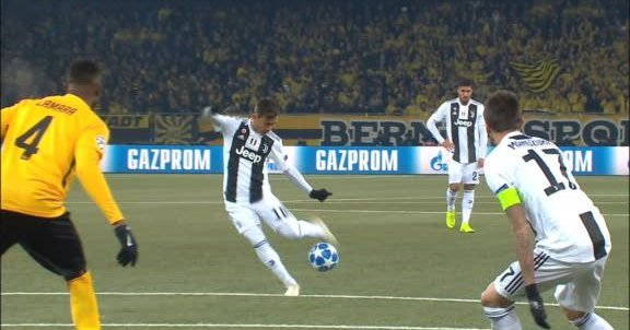HIGHLIGHTS, Young Boys Juventus 2-1: Hoarau (2), Dybala