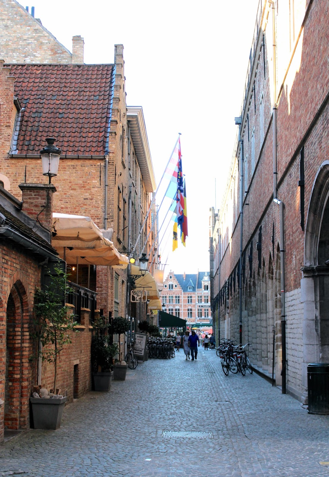 Travel blogger belgium bruges photography