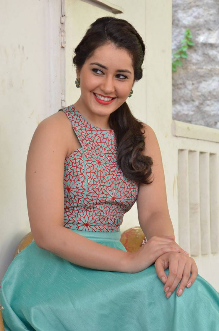 Rashi Khanna Stills At Bengal Tiger Movie Promotions