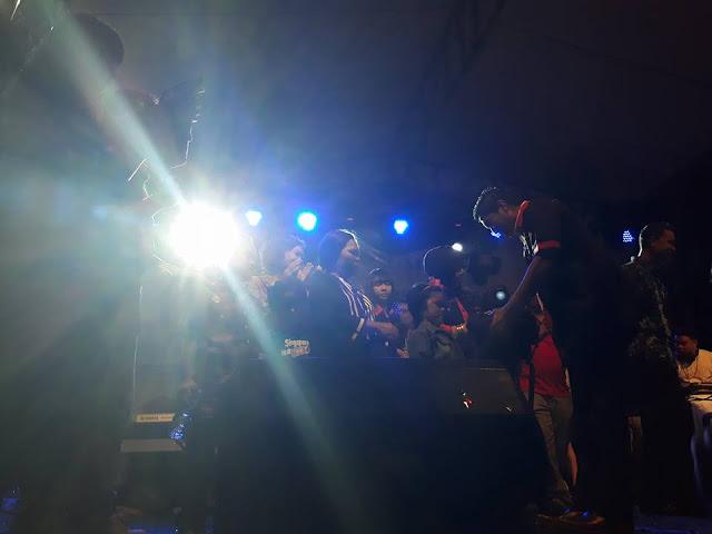 Group Anak Siantar (GAS) Mengenakan Pakaian GAS Kepada Wakil Walikota Hefriansyah Noor