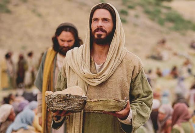 jesus-alimenta-a-cinco-mil-hombres
