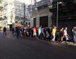 Grupos rivais são retirados no Recife Antigo pela Guarda Municial