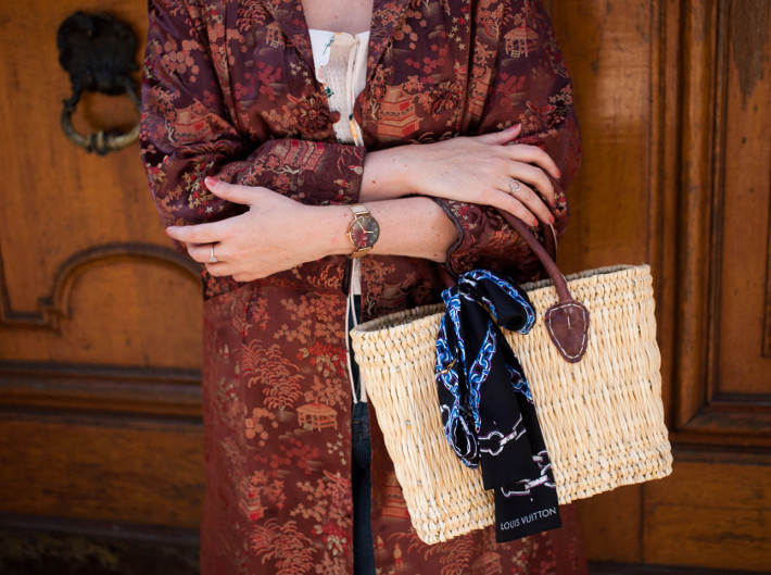 Outfit: vintage silk kimono coat and straw bag