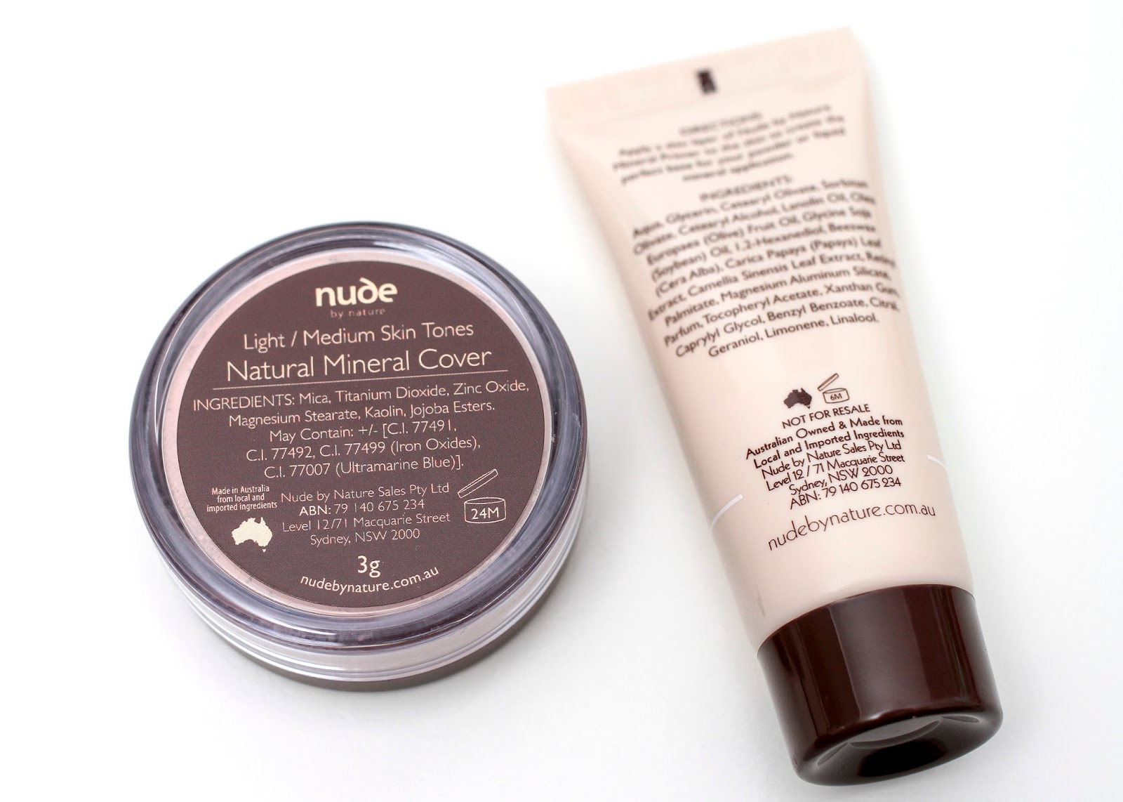 Nude by Nature Light with mineral primer