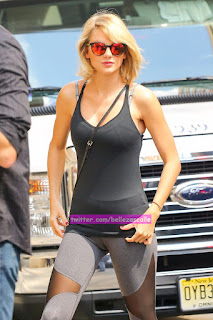 taylor-swift-leggins-cameltoe