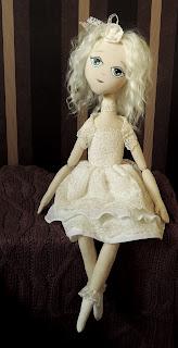 авторская сидящая кукла