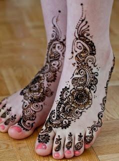 Unique Leg Mehandi Designs