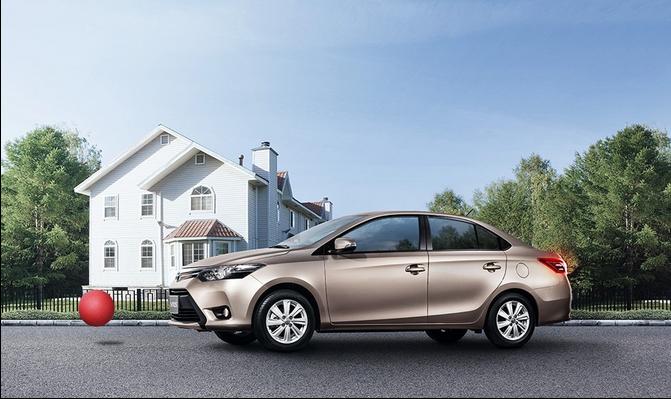 Mua xe Toyota về nhà, vi vu đón tết cùng gia đình