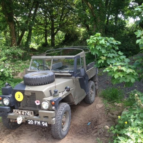 Landrover Defender: Ex Military Airportable Lightweight
