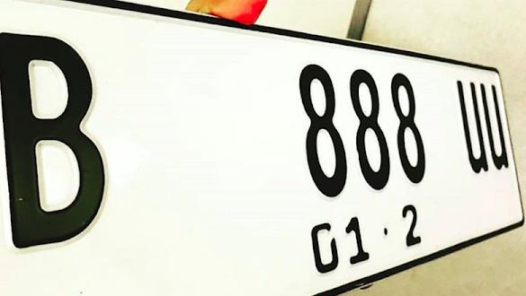 Pelat Nomor Kendaraan Pribadi akan Diganti Warna Putih