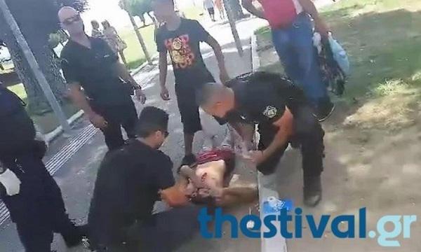 Τον μαχαίρωσαν στο στήθος μπροστά στο Λευκό Πύργο