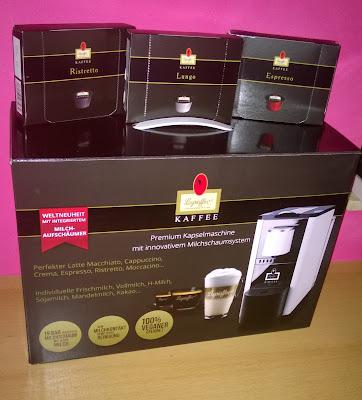 Kapselmaschine mit innovativen Milchschaumsystem + 3 verschiedene Sorten Kapselkaffee