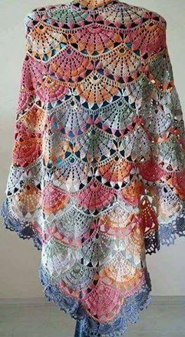 Patrón #1749: Poncho Multicolor a Crochet