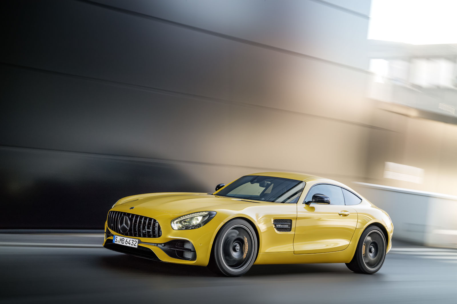 2014 - [Mercedes-AMG] GT [C190] - Page 29 16C1133_17
