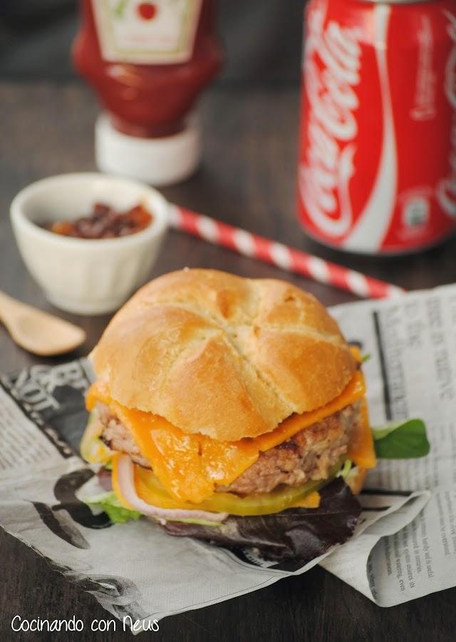 Cheeseburger clásica con mermelada de bacon-cocinando con-neus