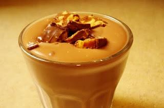 حلويات الباردة كاسترد السنكرز و النسكافيه مع الكاسترد و حلي المارشميلو