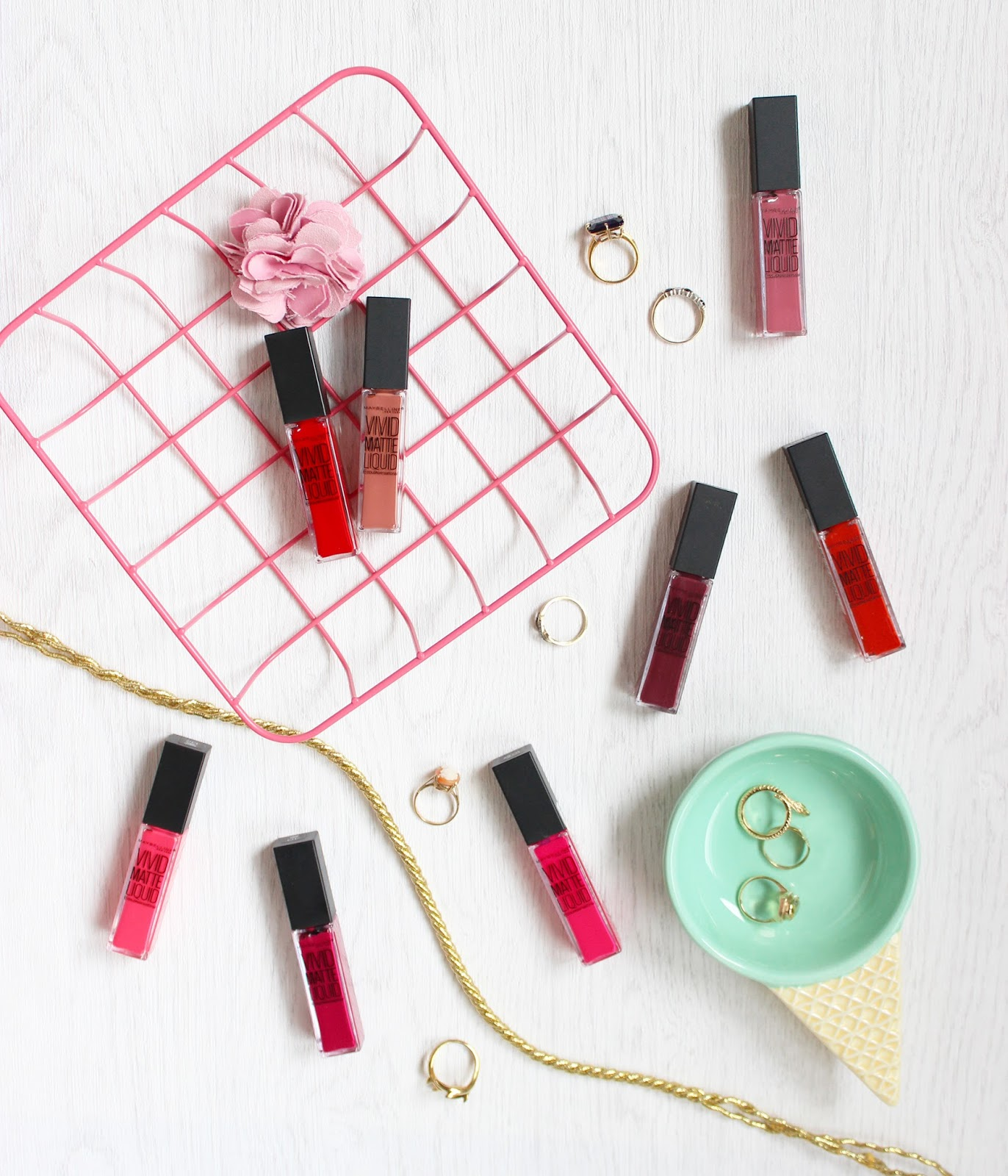 Maybelline Vivid Matte Liquid lipstick review and swatches