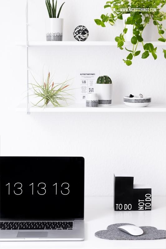 Regal mit Pflanzen über Schreibtisch Urban Jungle