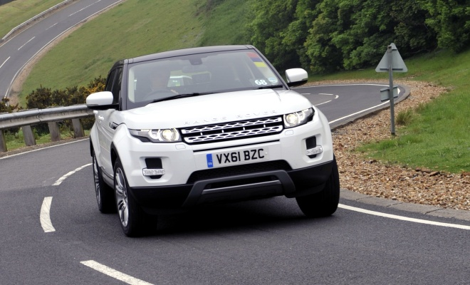 Range Rover Evoque eD4 on-road