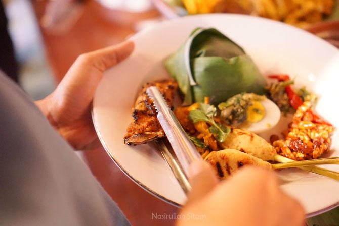 Santap malam di Restoran Sekar Kedhaton Yogyakarta