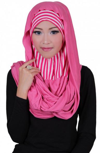 contoh jilbab untuk warna pink