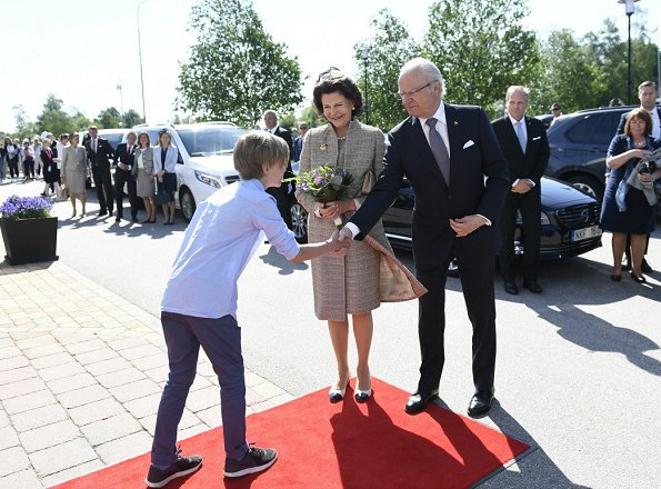 Crown Princess Victoria, Queen Silvia, Princess Estelle, Princess Madeline, Princess Sofia attend the Sweden's National Day 2017 Celebrations